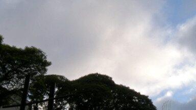 Sol deve aparecer no Alto Tietê - Mas final da tarde deve ter nebulosidade e garoa.
