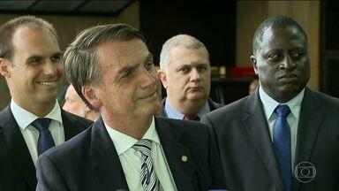 Bolsonaro terá reuniões com mais partidos na quarta-feira - O futuro presidente se encontrou com lideranças do MDB e do PRB nesa terça-feira. E disse que quer fatiar reforma da Previdência.