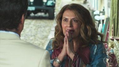 Edméia reconhece Américo como seu mestre - Ela fica impressionada de encontrá-lo em Rosa Branca