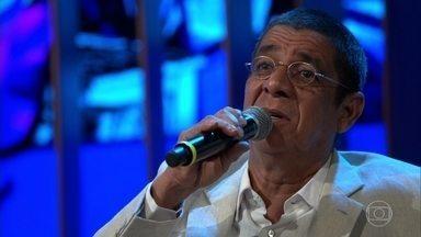 """Zeca Pagodinho canta """"Chão de Estrelas"""" - Cantor foi incentivado por Maria Bethânia a cantar a música em show"""