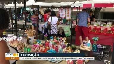 Alunos realizam exposição em praça de Cachoeiro de Itapemirim - A exposição faz parte do projeto 'Bairro Empreendedor'.