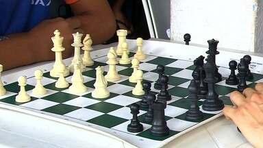 Projeto ensina xadrez há 14 anos para adolescentes e crianças em Socorro - Projeto ensina xadrez há 14 anos para adolescentes e crianças em Socorro.