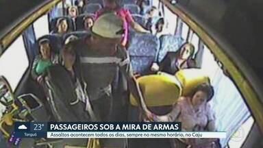 Assaltantes roubam passageiros de ônibus que saem do Centro em direção à Ponte Rio-Niterói - Passageiros dizem que bandidos atuam todos os dias, no mesmo horário.