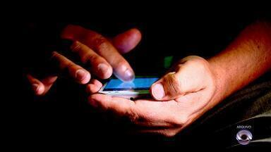 Anatel: celulares 'piratas' serão bloqueados a partir deste sábado (8) - Assista ao vídeo.