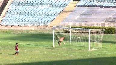 Escolinha Fla vence por 2 a 0 Promorar e segue para final do Piauiense sub-11 - Escolinha Fla vence por 2 a 0 Promorar e segue para final do Piauiense sub-11