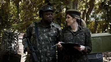 Teile e Zaga no Exército - Divas do campo de batalha.
