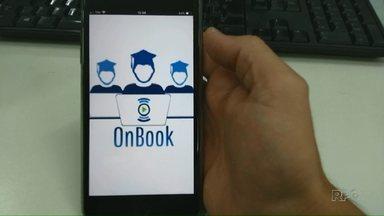 Grupo de estudantes criam aplicativo para incentivar a leitura - Pelo aplicativo é possível ter acesso a livros que não estão nas prateleiras da biblioteca.