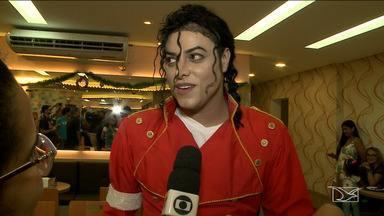 São Luís apresenta show com cover do Michael Jackson - Cover Rodrigo Teaser participou na quinta-feira (13) de um encontro com fãs especiais na capital.