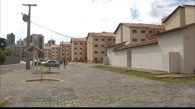 Moradores de áreas de risco em João Pessoa são beneficiados com novos apartamentos - As antigas casas do Bairro São José estão sendo demolidas e os moradores já podem mudar para os novos apartamentos.