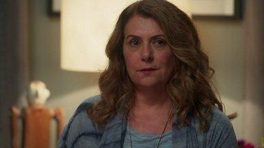 Grace diz a Isabel que Felipe pode estar tentando se comunicar com ela - Isabel garante à mãe que terá uma vida feliz ao lado de Alain e Priscila no Rio de Janeiro. As duas não conseguem se entender