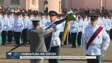 Alunos se formam na Escola Preparatória de Cadetes do Exército, em Campinas - Os alunos, agora cadetes, seguem o curso na Academia Militar das Agulhas Negras.