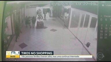 Três vítimas de tiroteio em shopping têm alta - Uma quarta continua internada.