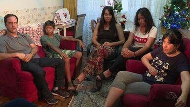 Mesmo com dois filhos biológicos adultos, casal resolve adotar dois irmãos - Assista a reportagem da campanha 'Adote um Destino'.