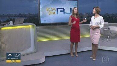 Bom Dia RJ - Edição de segunda-feira, 24/12/2018 - As primeiras notícias do Rio de Janeiro, apresentadas por Flávio Fachel, com prestação de serviço, boletins de trânsito e previsão do tempo.