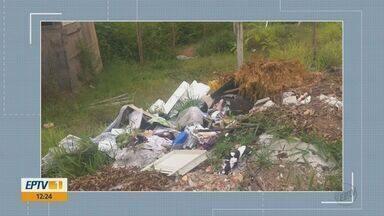 Morador reclama de descarte irregular de lixo em Rio Claro - Ele enviou a queixa pelo WhatsApp da EPTV.