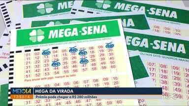 Mega Sena da Virada pode pagar R$ 280 milhões - Tem muita gente sonhando em virar o ano milionário.