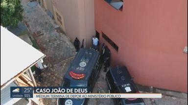 João de Deus depõe no Ministério Público de Goiás - Médium foi ouvido durante duas horas. Interrogatório foi sobre os casos de abuso registrados por promotores da força-tarefa do MPGO.