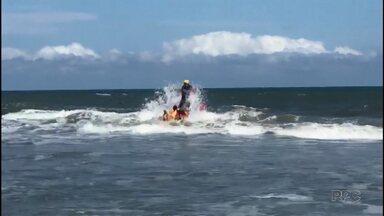 Adolescente é encontrado morto no mar - Um outro adolescente continua apreendido