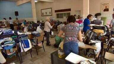 Campanhas recolhem doações para pessoas afetadas pela chuva em Juiz de Fora - Devido às fortes chuvas, Defesa Civil atende 100 chamados em cerca de 48 horas.