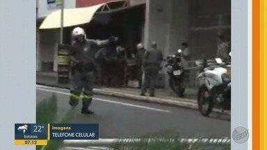 Dupla é presa durante tentativa de roubo em joalheria de Ribeirão Preto - Suspeitos fingiram ser vendedores de ouro e anunciaram o assalto.