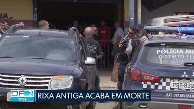 Polícia investiga dois homicídios no DF - As duas vítimas foram mortas a facadas. Um dos crimes foi no Itapoã e o outro no Setor de Oficinas Norte. Nos dois casos, os agressores fugiram.