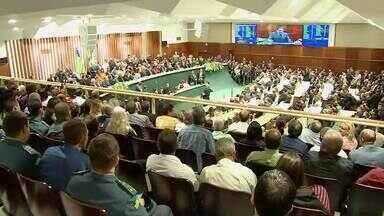 Deputados de situação e oposição discursam durante posse de Ronaldo Caiado - Governador foi empossado na manhã desta terça-feira.