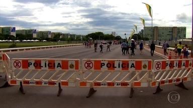 Esquema de segurança desta terça (1º) é o maior já montado para uma posse em Brasília - A estrutura de segurança está pronta e a área completamente isolada. O acesso do público será feito à pé, não serão permitido animais, guarda-chuvas, bolsas e mochilas.