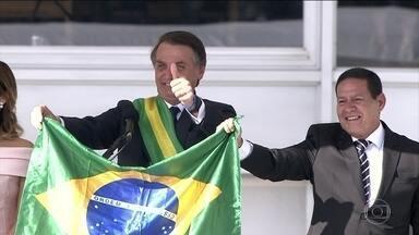 Cerimônia de posse presidencial reúne 115 mil pessoas em esquema de segurança - A cerimônia de posse do presidente Jair Bolsonaro teve discursos fortes, quebra de protocolo e momentos descontraídos.