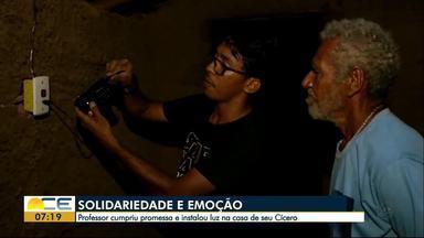 Morador de Juazeiro do Norte comemora chegada de luz elétrica em casa - Ele mora em uma casa de taipa e conseguiu eletricidade por meio de um projeto de um professor.
