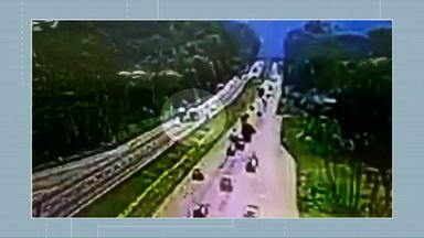 Câmera flagra acidente na BR-277, entre Curitiba e o Litoral - Uma pessoa morreu e 9 ficaram feridas.