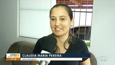 Moradores encontram cobra escondida no sofá da sala em Araguaína - Moradores encontram cobra escondida no sofá da sala em Araguaína