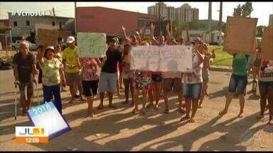 Moradores protestam na rotatória da Cidade Nova 8, em Ananindeua - Jornal Liberal