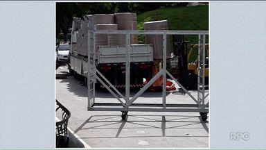 Corpo é encontrado na carroceria de caminhão que transportava papelão - O motorista saiu de Colombo, na Região de Curitiba, para fazer a entrega no sul de Minas.