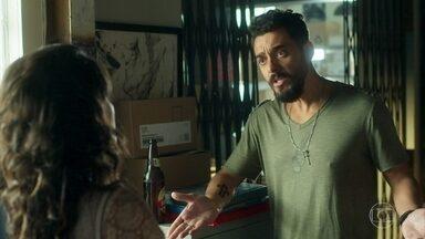 Barão diz quer conversar com Cecílio - Paulina não gosta da atitude do pai