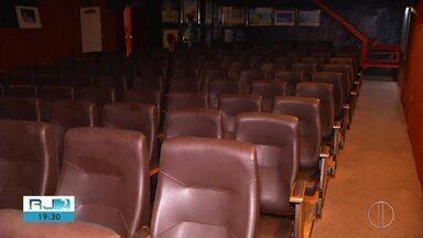 Cine Bardot retoma atividades que estavam suspensas há 15 dias - Assista a seguir.