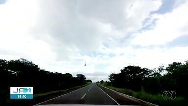 Câmera flagra momento de acidente em rodovia no norte do Tocantins - Câmera flagra momento de acidente em rodovia no norte do Tocantins