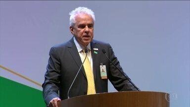 Novo presidente da Petrobras defende livre concorrência - A ser empossado no cargo, o novo presidente da Petrobras, Roberto Castello Branco, defendeu a livre concorrência e criticou a interferência do governo na política de preços dos combustíveis