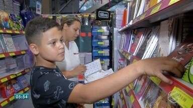 Pais devem ficar atentos à lista de material escolar - Segundo Procon, escolas não podem pedir materiais de uso comum.