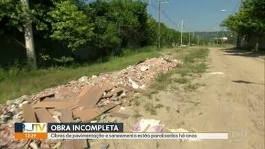 Obras de pavimentação e saneamento estão há mais de dois anos paradas em Campo Grande - Moradores reclamam das péssimas condições que da Avenida Alhambra.