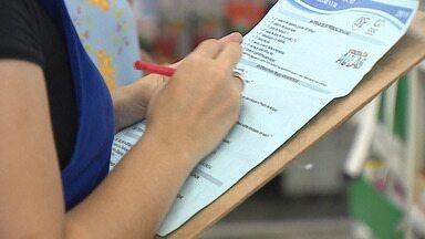 Saiba como economizar na hora de comprar material escolar - Papelarias começam a ficar movimentadas.