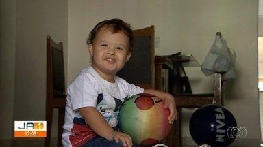 Bebê que esperava por vaga para fazer cirurgia é operado e passa bem, em Goiânia - Segundo médicos, procedimento foi bem sucedido.