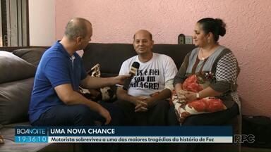 """""""Sou um milagre"""", diz motorista que sobreviveu a um grave acidente em Foz do Iguaçu - Daniel Nunes estava no fusca atingido por uma carreta na avenida das Cataratas em novembro do ano passado. Ele ficou quase 40 dias internado."""