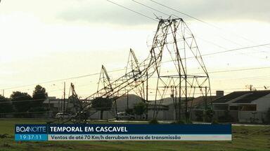 Ventos de até 70 Km/h derrubam torres de transmissão - Três torres que ficam na região do Parque Verde foram derrubadas pelo vento. Algumas casas foram atingidas por cabos de alta tensão. Ninguém se feriu.