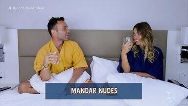 Carolina Dieckmann participa do 'Eu Nunca' com Matheus Mazzafera - Atriz afirma que costuma mandar fotos sensuais para seu marido e comenta lei que leva seu nome para proteger dados nas redes