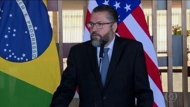 Decreto permite assessores no Itamaraty sem carreira diplomática - Decisão assinado pelo presidente Bolsonaro e pelo ministro das Relações Exteriores, Ernesto Araújo, provocou discussão enorme dentro e fora do ambiente da diplomacia.