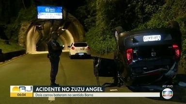 Grave acidente no Túnel Zuzu Angel deixa um morto - Dois carros bateram no túnel no sentido Barra da Tijuca. Uma pessoa morreu.