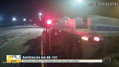 Motoristas driblam fiscalização e não pagam pedágio na BR-040 - A Polícia Rodoviária Federal intensificou a fiscalização na rodovia.