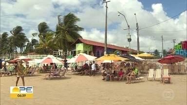 Estabelecer consumação mínima em barracas de praia é proibido, diz secretário - Telespectadores denunciam cobrança de no mínimo R$ 80 na praia de Boa Viagem, na Zona Sul do Recife.