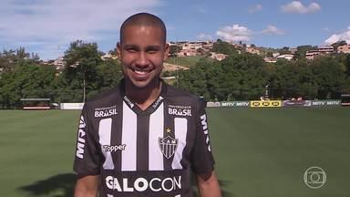 Jair é apresentado no Atlético-MG e elenca suas qualidades - Jair é apresentado no Atlético-MG e elenca suas qualidades