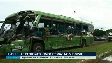 Caminhoneiro que provocou acidente com 5 mortes estava bêbado, diz polícia - A batida entre o caminhão e um ônibus aconteceu na noite de quinta-feira, 10, no Sudoeste do Paraná.